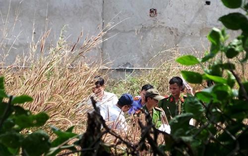 """Bản tin """"113+"""": Phát hiện xác chết bị đốt cháy trong bụi cỏ; Nổ bình ga mini, 4 người nhập viện - anh 3"""