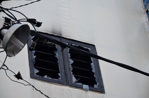 TP. HCM: Cháy khách sạn, nhiều khách thuê phòng hốt hoảng tháo chạy - anh 2