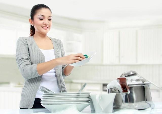 Những thói quen thường ngày gây hại cho đôi tay phụ nữ - anh 1