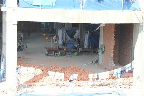 TP. HCM: Sập sàn bê tông tại công trình 15 tầng, 7 người bị thương - anh 2