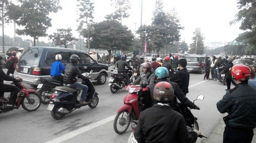 Tai nạn liên hoàn giữa 3 xe máy, 3 người nhập viện - anh 3