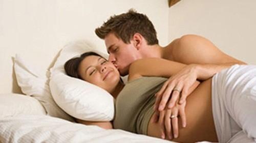 Yêu khi mang thai cần lưu ý điều gì? - anh 1