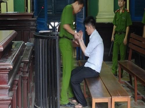 """Bản tin """"113+"""": Đốt nhà người yêu vì dám đòi chia tay; Đề xuất bắn pháo hoa thường xuyên trên cầu Nhật Tân - anh 1"""