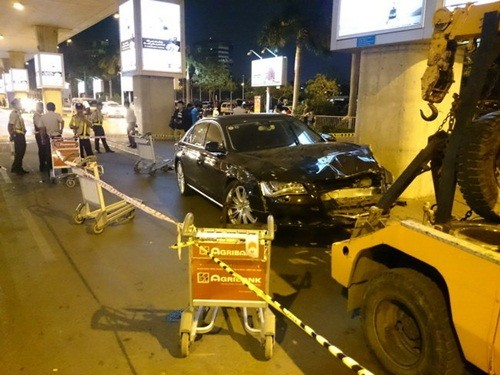 Cập nhật tình trạng sức khỏe các nạn nhân bị xe Audi tông tại sân bay Tân Sơn Nhất - anh 2