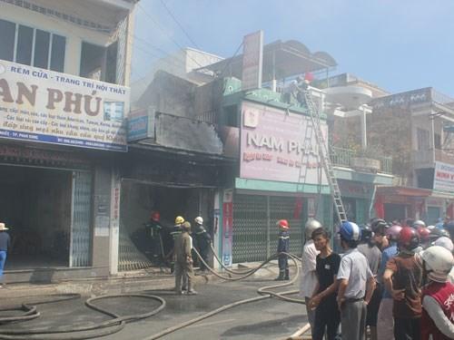 """Bản tin """"113+"""": Quảng Ninh xác minh, xử lý việc đốt pháo đêm giao thừa; Bị bắt """"tại trận"""" vì trộm ví tiền của người nước ngoài - anh 2"""