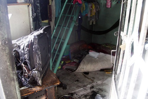 Mua dầu hỏa đốt cả nhà rồi nhảy cầu tự tử vì vợ đòi ly dị - anh 2