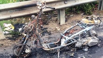 Thanh Hóa: Xe tay ga bất ngờ bốc cháy khi đang lưu thông - anh 1