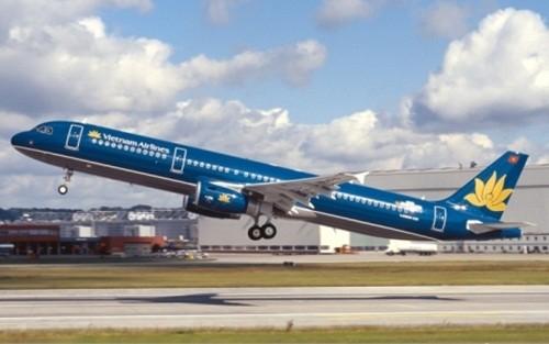 Trục trặc kỹ thuật, máy bay Vietnam Airlines chở 141 hành khách phải hạ cánh khẩn cấp - anh 1