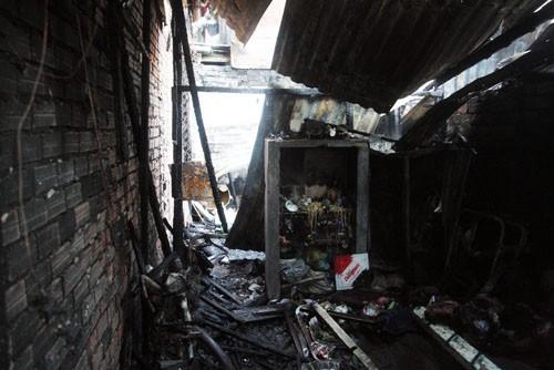 Điều tra nguyên nhân cháy hàng loạt nhà trong hẻm ở TP HCM - anh 3
