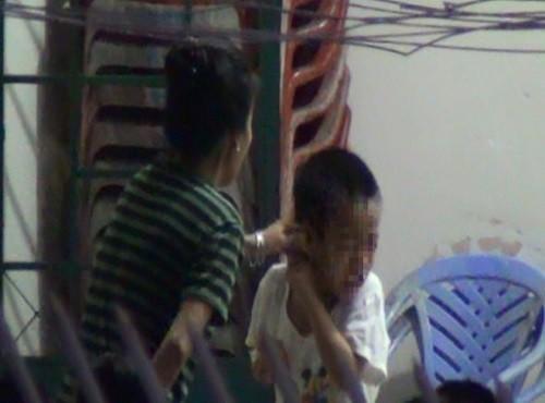 Vụ hành hạ trẻ HIV trong bữa ăn tại TP. HCM: Đề xuất lắp camera giám sát tại các trung tâm - anh 2
