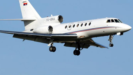 """Máy bay chở Tổng thống Serbia """"rơi tự do"""" trong hai phút - anh 1"""