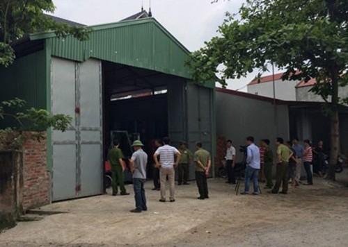 Hà Nội: Phát hiện 2 xưởng chế biến hàng trăm thùng phuy mỡ động vật không rõ nguồn gốc - anh 5