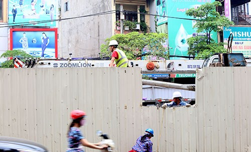 Dừng thi công nhà ga tuyến Metro Nhổn - Ga Hà Nội sau vụ rơi sắt - anh 1