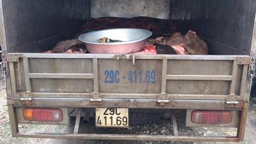 Hà Nội: Phát hiện xe tải chở hơn 1 tấn mỡ bẩn - anh 1