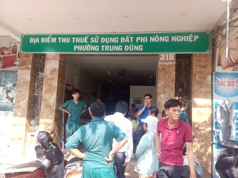 Nam thanh niên bị chém gục tại UBND phường - anh 1
