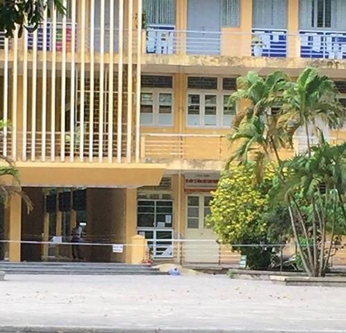 Hà Nội: Rơi từ tầng 4 Đại học Bách khoa, người phụ nữ tử vong tại chỗ - anh 1