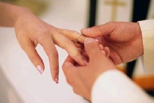 Lời thú nhận của cô vợ trẻ đêm tân hôn - anh 1