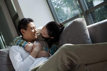Lần về nhà đột xuất phát hiện chuyện ngoại tình động trời của chồng - anh 1
