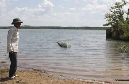 Đắk Nông: Nhậu xong ra sông tắm, 2 thanh niên chết đuối - anh 1
