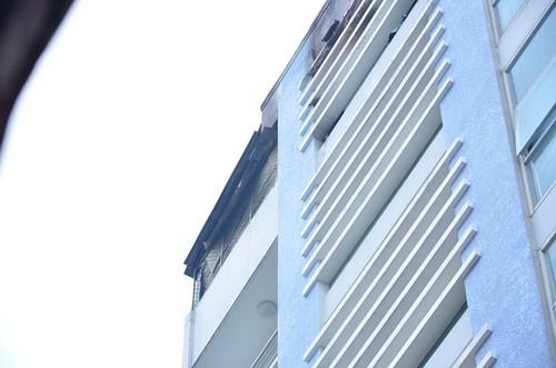 TPHCM: Cháy lớn thẩm mỹ viện 6 tầng lúc rạng sáng - anh 1