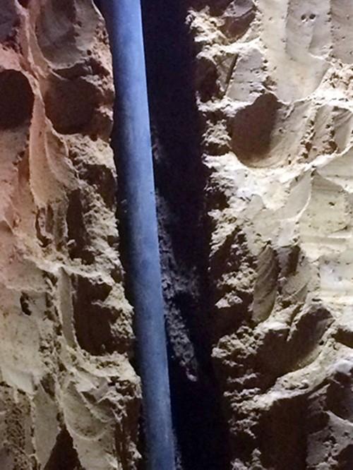 Quá trình giải cứu bé gái 7 tuổi mắc kẹt dưới giếng sâu suốt 10 giờ - anh 1