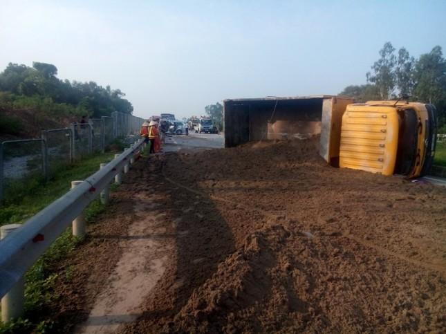 Tai nạn trên cao tốc Hà Nội - Thái Nguyên, 3 người nước ngoài tử vong - anh 2