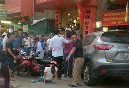 Hà Nội: Nữ tài xế lái ôtô đâm hàng chục xe máy trên phố Kim Mã - anh 2