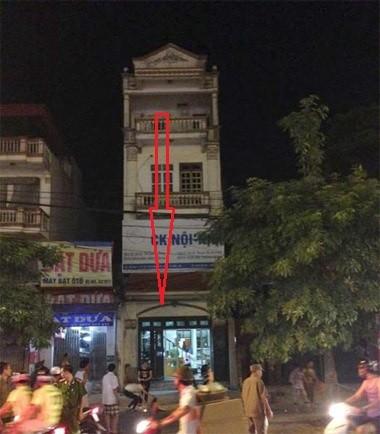 Hà Nội: Nam thanh niên bất ngờ rơi từ tầng 4 xuống đất tử vong - anh 1