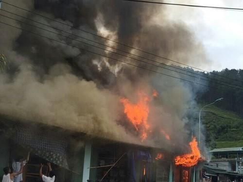 Yên Bái: Cháy nhà, một thai phụ tử vong - anh 1