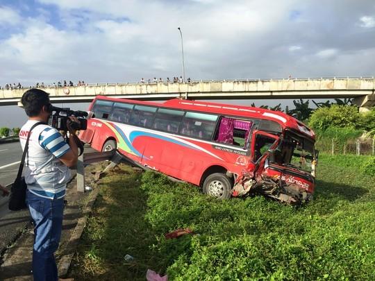 5 ôtô tông liên hoàn trên cao tốc Trung Lương, 5 người thương vong - anh 2