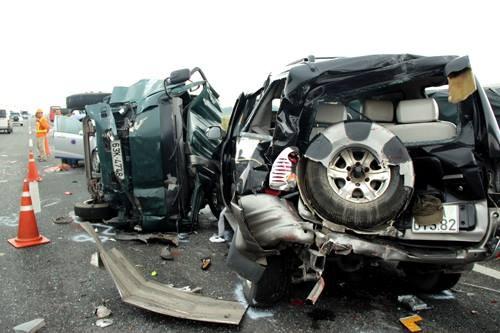 5 ôtô tông liên hoàn trên cao tốc Trung Lương, 5 người thương vong - anh 3
