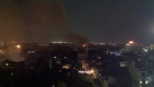 Hà Nội: Cháy khách sạn trong phố cổ, khách chạy tán loạn - anh 1
