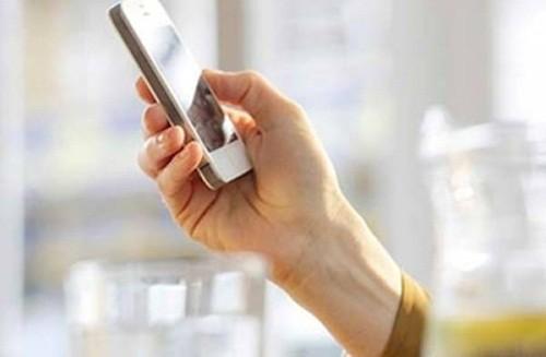 Phải làm gì khi phát hiện chồng có điện thoại riêng để ngã giá với gái gọi? - anh 1