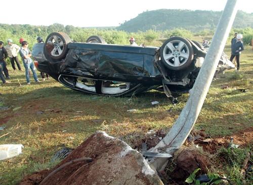 Thượng úy CSGT lái ôtô BMW biển số giả tông chết 2 người - anh 1