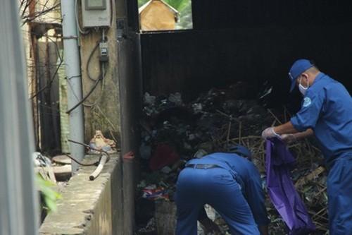 Thi thể bé trai sơ sinh còn nguyên cuống rốn bị bỏ ở bãi rác - anh 2