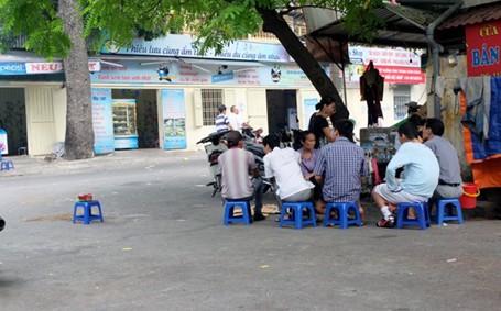 """Hà Nội: Bắt """"nóng"""" nghi phạm sát hại nhân viên quán ốc sau trường ĐH Kinh tế Quốc dân - anh 1"""