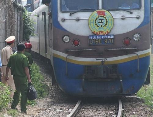 Đi bộ trên đường sắt, người phụ nữ bị tàu hỏa cán tử vong - anh 2