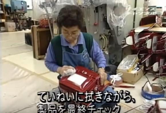 Quy trình làm cặp sách chống gù lưng tại Nhật Bản - anh 13