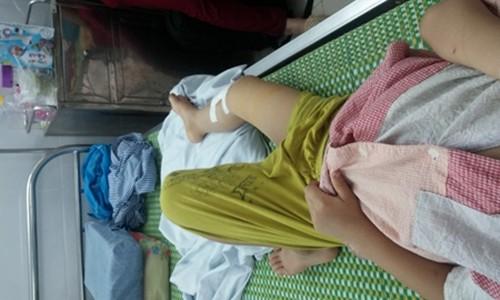 Bắc Ninh: Bé mầm non gãy chân ở trường, phụ huynh bức xúc - anh 1