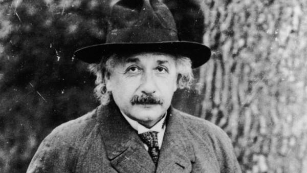 """10 phát ngôn """"để đời"""" về tình yêu, cuộc sống của Albert Einstein - anh 2"""