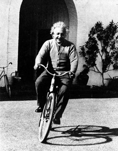 """10 phát ngôn """"để đời"""" về tình yêu, cuộc sống của Albert Einstein - anh 5"""