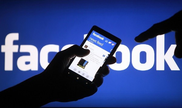 Bị đuổi học vì nói xấu giáo viên trên facebook: Gia đình sẽ chuyển trường cho học sinh - anh 1