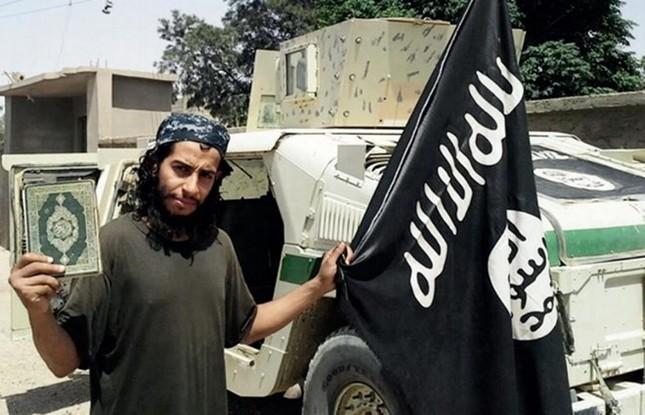 Những điều chưa biết về kẻ chủ mưu vụ khủng bố Paris - anh 1