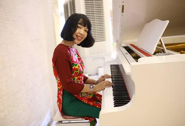 Mẹ của Đỗ Nhật Nam - chị Phan Hồ Điệp là một giảng viên đại học