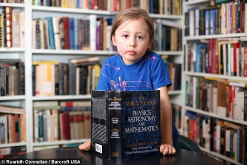 Thần đồng 5 tuổi có biệt tài đọc suy nghĩ người khác - anh 2