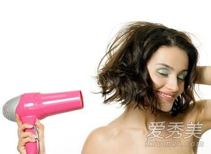 6 mẹo hay trị bệnh với máy sấy tóc - anh 1