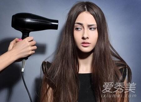 6 mẹo hay trị bệnh với máy sấy tóc - anh 2
