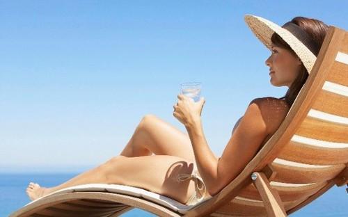 8 mẹo hay tránh đau đầu trong mùa hè - anh 1