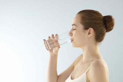8 mẹo hay tránh đau đầu trong mùa hè - anh 2