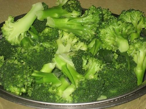 Nguy hại chết người khi ăn rau sai cách - anh 1
